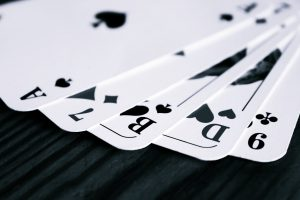 playing cards 300x200 - playing cards